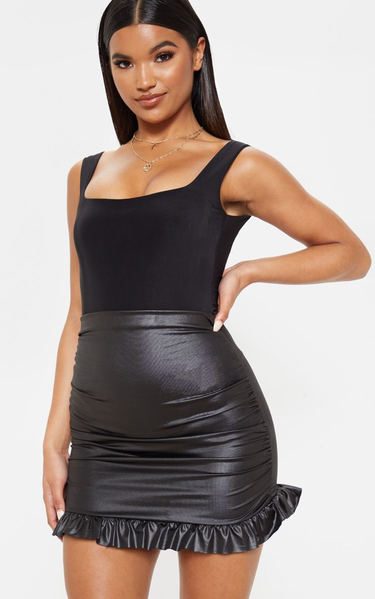 Mini-jupe wetlook à volants froncée - Noir