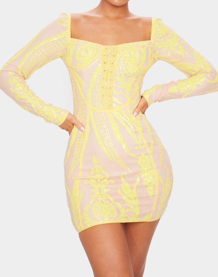 Robe à motifs sequins jaunes et laçage