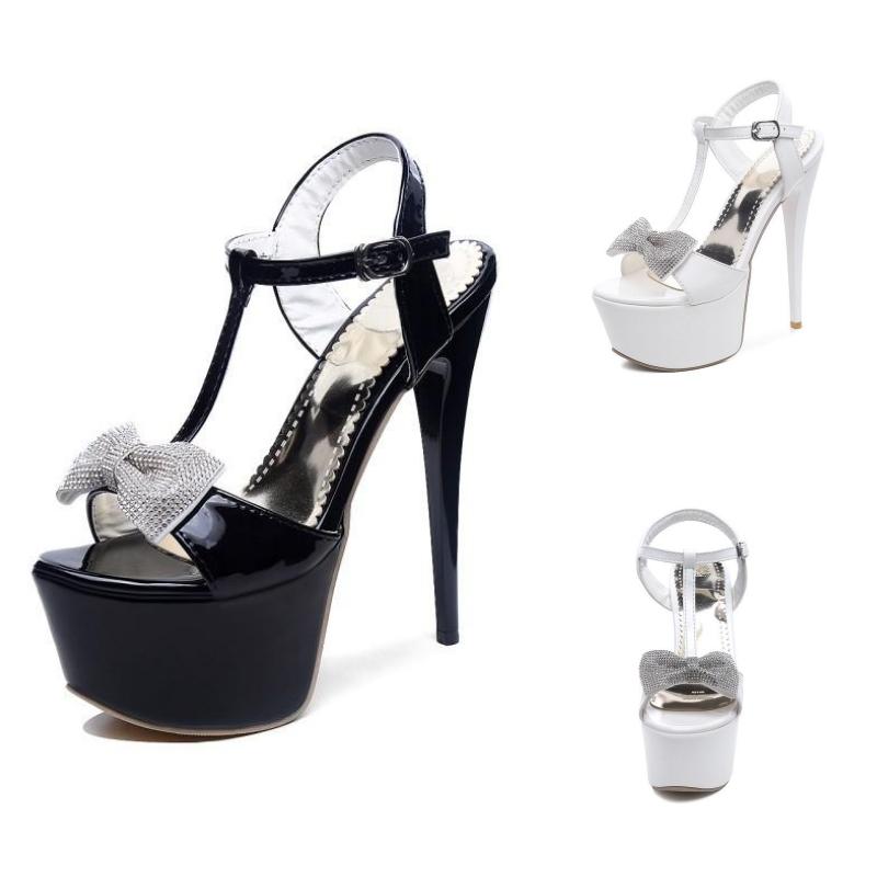 Chaussures plateforme à talon et noeud