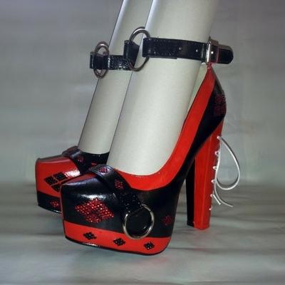 Harley Quinn - Escarpins à plateforme à talons compensés - Noir/Rouge