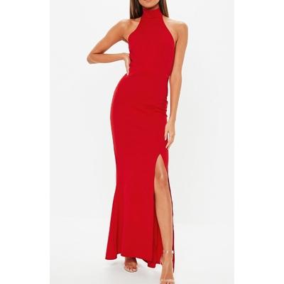 Robe longue rouge à col haut