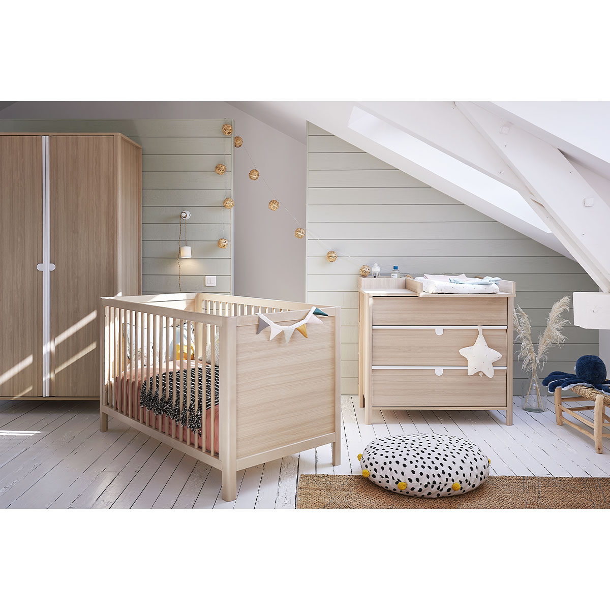 Chambre complète Lit évolutif 70x140 avec 2 pans inclus - commode 3 tiroirs - armoire 2 portes Galipette Anatole - Bois