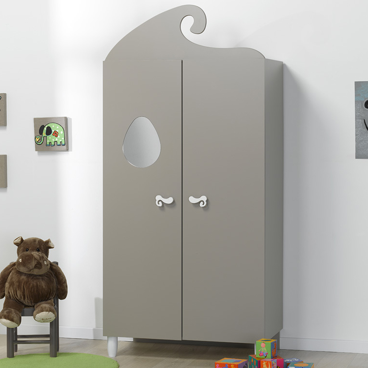 loupiot_lutin_lin_armoire_fermée