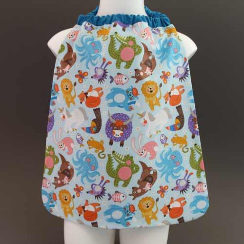 3929-serviette-de-table-enfants-cou-elastique-animaux-et-sa-pochette-assortie-lilooka