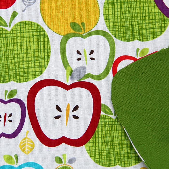 serviette_table_enfants_cou_elastique_fruits_2
