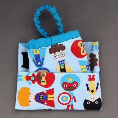 Serviette de table enfants cou élastiqué super super héros et sa pochette assortie - Lilooka