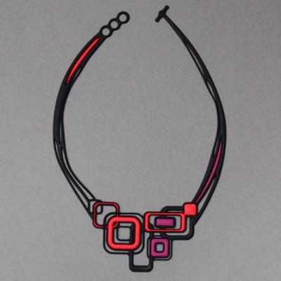 Collier Pythagore rouge et noir Batucada