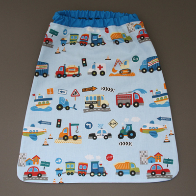 Serviette de cantine enfant élastique camions et trains Lilooka