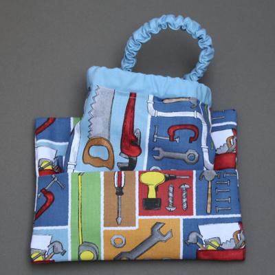 Serviette de cantine enfant élastique Les outils et sa pochette assortie Lilooka