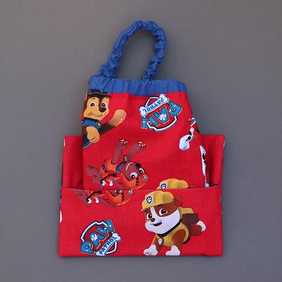 Serviette de table enfant cou élastique et sa pochette assortie Pat patrouille rouge