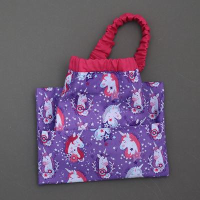 Serviette de cantine enfant cou élastique et pochette assortie Licornes violette