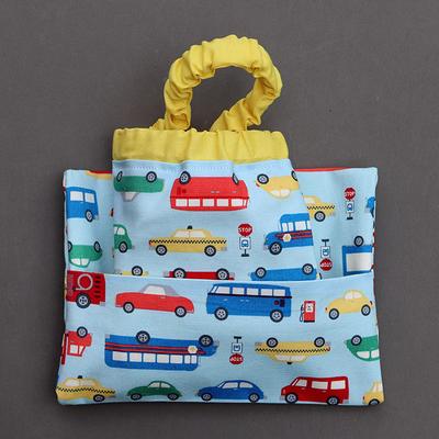 Serviette de cantine enfant élastique Bus et camion et pochette assortie