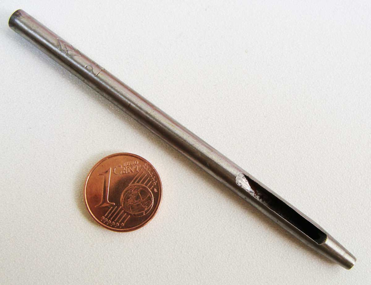 Emporte-pièce trou 2,5mm poinçon en métal à frapper