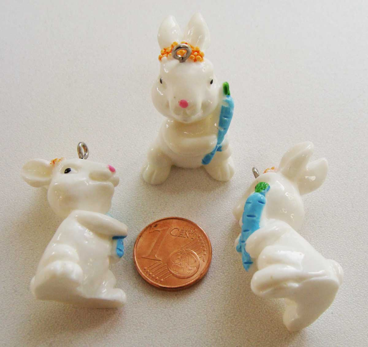 Carotte Bleue dedans pendentif lapin résine carotte bleue 30mm par 2 pcs - pendentifs