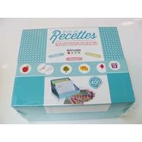 Kit Boîte de Recettes 18x11x21cm stickers fiches intercalaires pochettes plastiques Artemio