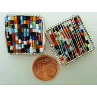 Décoration Carrée en rocaille multicolore et fil métal 25mm par 2 pcs