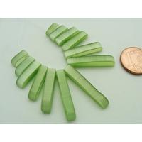 Ensemble 13 pendentifs enfilade verre Oeil de Chat Vert