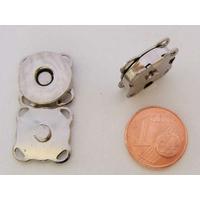Fermoir aimanté argenté carré 15mm plat à coudre par 2 pcs
