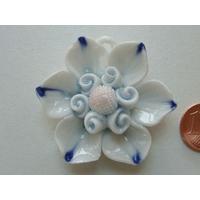 Pendentif Porcelaine Fleurs bleu rose 44mm