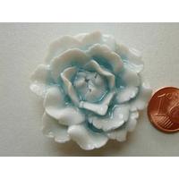 Pendentif Porcelaine Fleurs blanc bleu clair 38mm