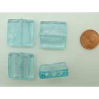 Perles carré 20mm Bleu Clair verre façon Murano par 4 pcs