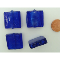 Perles carré 20mm Bleu Marine verre façon Murano par 4 pcs