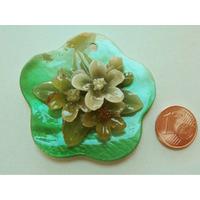 Pendentif nacre Fleur 50mm Vert ajout résine