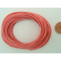 Fil polyester ciré Rose Foncé 0,8mm en écheveau de 10 mètres