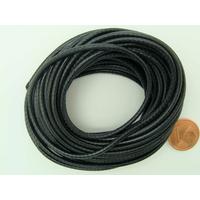 Fil polyester ciré Noir 2,3mm en écheveau de 5 mètres