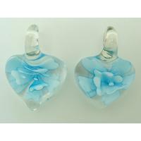 2 Mini Pendentifs Coeur transparent Fleur Bleue 23mm en verre