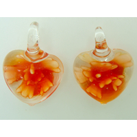 2 Mini Pendentifs Coeur transparent Fleur Orange 23mm en verre