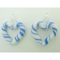 2 mini Pendentifs Coeur Blanc rayé bleu foncé 27mm en verre lampwork