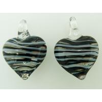 2 pendentifs Petits Coeurs 21mm Verre Transparents rayures blanc et noir