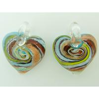 2 pendentifs Petits Coeurs 20mm Verre spirale bleu clair et argenté