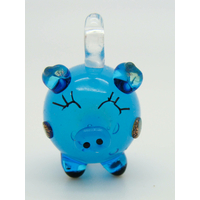 Mini Pendentif Cochon bleu foncé 23mm en verre lampwork
