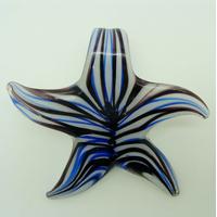 Pendentif ETOILE Fleur Bleu Foncé 57mm en verre