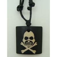 Pendentif bois Tete de Mort Pirate 27mm avec cordon réglable