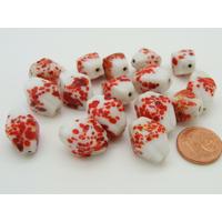 Lot 15 perles facette 17mm blanc motifs rouge verre PV-lot111