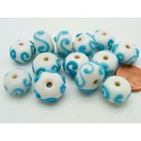 Lot 13 perles rondelles 14mm blanc motifs bleus verre lampwork PV-lot124