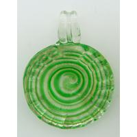 Pendentif Rond bord strié 35mm spirale vert verre feuille argentée