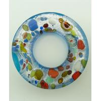 Pendentif donut fond argenté et bleu touches multicolores rond 38mm