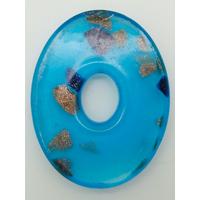 Pendentif Bleu VERRE Ovale donut 45mm avec touches dorées et multicolores