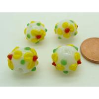 Perles Blanches Fleurs jaunes 11mm verre Lampwork par 4 pcs