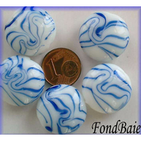 Perles verre Galets 20mm BLANC motifs BLEU FONCE par 5 pcs