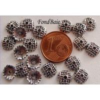 Perles Métal argenté vieilli COUPELLE point carré 7mm par 20 pcs