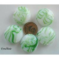 Perles verre Galets 20mm BLANC motifs VERT par 5 pcs