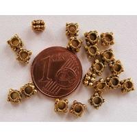 Perles Métal Doré CARRE pointille 4,5mm par 20 pcs