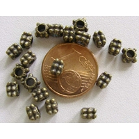 Perles Métal Bronze CARRE pointille 4,5mm par 20 pcs
