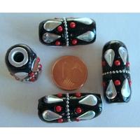 Perles Indonésiennes Tube fond noir avec incrustations argenté et rouge par 2 pcs