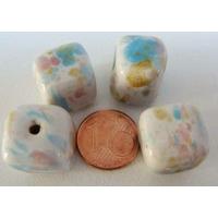 Perles PORCELAINE CUBE multicolores par 4 pcs